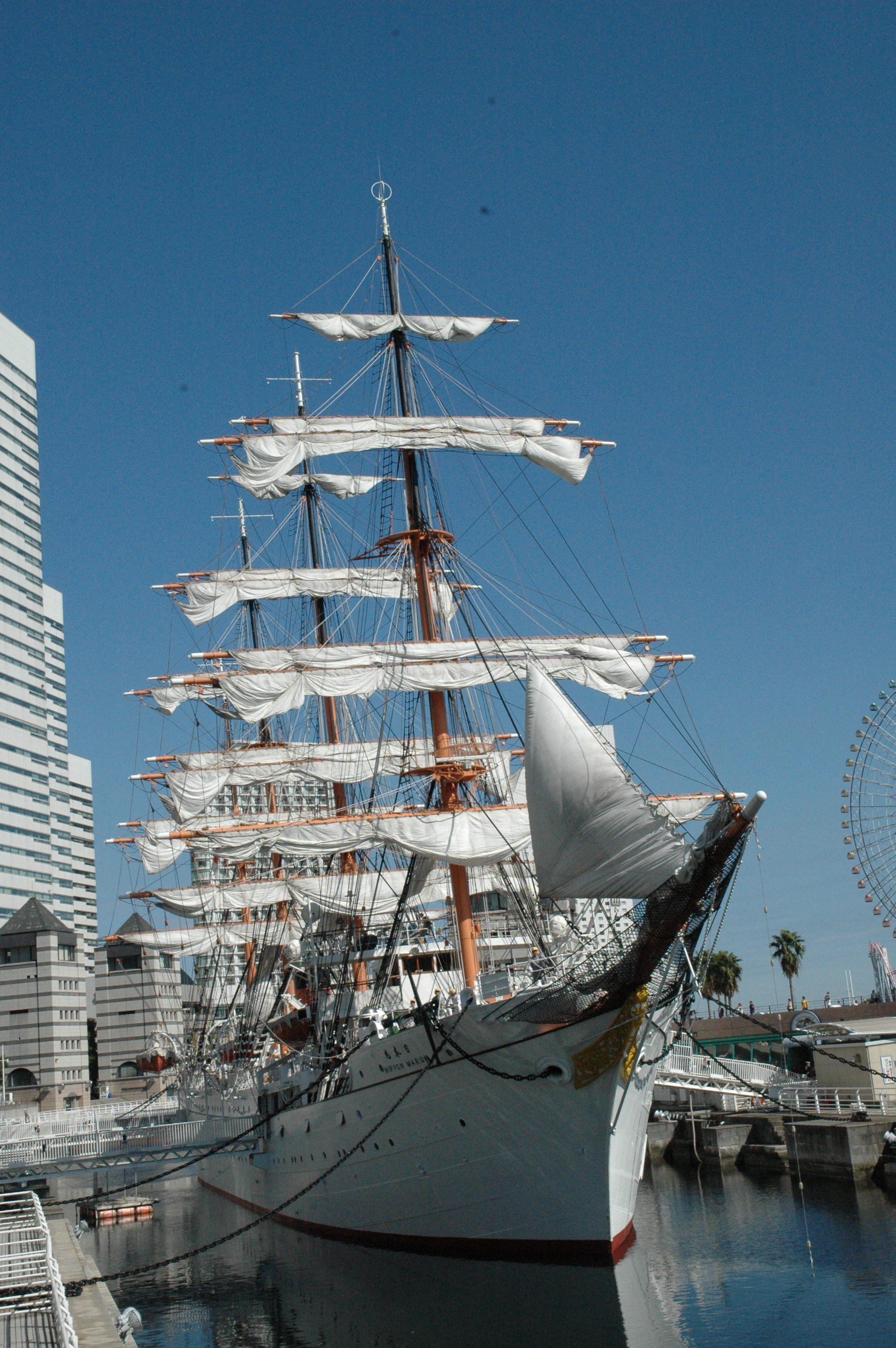 総帆展帆・満船飾 | 帆船日本丸・横浜みなと博物館